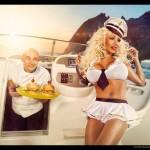 Sur un bateau = photo playboy
